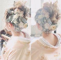 Beach Wedding Inspiration, Hair Inspiration, Japanese Beauty Hacks, Up Hairstyles, Wedding Hairstyles, Curly Hair Problems, Wedding Kimono, Hair Arrange, Hair Setting