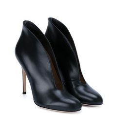 GIANVITO ROSSI Vamp Leather Ankle Boots (1,230 NZD) ❤ liked on Polyvore featuring shoes, boots, ankle booties, black ankle booties, leather booties, short black boots, black booties and ankle boots