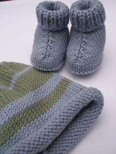 Ravelry: Sombrero y botas patrón de Erika Caballero