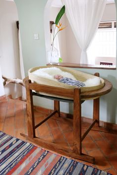 Handmade bassinet and Moses basket among my very favorite baby products. Follow the link to see more.