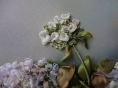 Осинка Silk Ribbon Embroidery, Embroidery Art, Band Kunst, Ribbon Art, Sculpting, My Favorite Things, Flowers, Fabric, Pictures