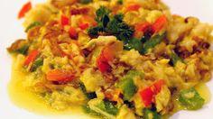 Huevos revueltos con patatas y pimientos