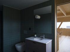 Image 18 of 29 from gallery of Villa Oreveien / Lie Øyen Arkitekter. Photograph by Hampus Berndtson Bathroom Lighting, Villa, Bathtub, Mirror, Interior, Furniture, Home Decor, Washroom, Bathroom Light Fittings
