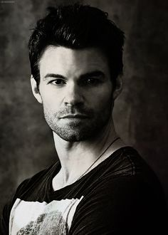 Had a very bizarre dream featuring this fellow last night. Daniel Gillies.