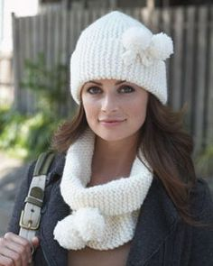 http://cf2.primecp.com/master_images/AllFreeKnitting/cowls/Snow-Bunny-Cowl-and-Hat-Set.jpg