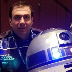 Learn how to build your own and join a dedicated community of Makers bringing Star Wars astromech droids to life. This comprehensive guide will get you started! R2d2 Builders Club, Science Projects, Projects To Try, Star Wars Vehicles, Star Wars Droids, Bb8, R2 D2, Robot Design, We Can Do It