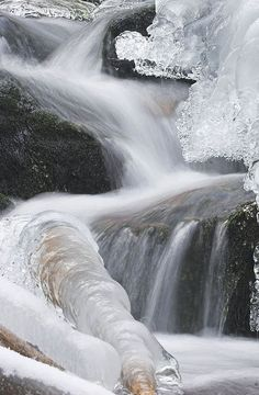 ✮ Frozen Waterfall