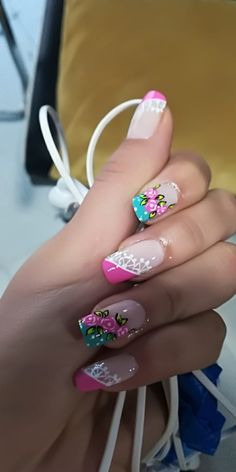 New nails verano pies ideas Creative Nail Designs, Creative Nails, Nail Art Designs, Rose Nail Art, Rose Nails, Stylish Nails, Trendy Nails, Spring Nails, Summer Nails