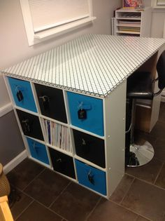 DIY Craft Table-----YES!!!!!! so need this!!!!!