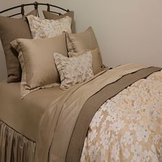 SDH Savannah Bedding Collection