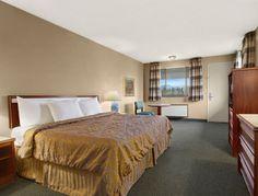 Standard King Bed Room at the Days Inn Auburn in Auburn, Washington