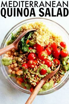 You'll love this Mediterranean Quinoa Salad for summer! It's loaded with chickpeas, cucumber, fresh herbs, and has a deliciously creamy avocado dressing! thetoastedpinenut.com #thetoastedpinenut #quinoa #quinoasalad #mediterranean #mediterraneanquinoasalad Cold Quinoa Salad, Quinoa Salad Recipes Easy, Greek Quinoa Salad, Mediterranean Quinoa Salad, Healthy Recipes, Healthy Salads, Healthy Food, Clean Dinner Recipes, Clean Eating Dinner