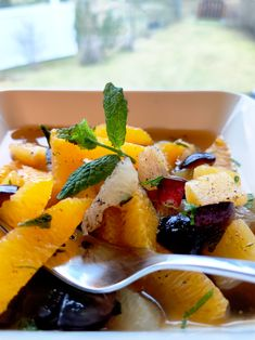 Kardemummaisella vivahteella. Fruit Salad, Ethnic Recipes, Food, Pineapple, Healthy, Fruit Salads, Essen, Meals, Yemek