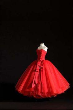 Le Petit Théâtre Dior – Haute Couture en miniature