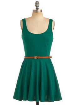 Perfect summer dress. I love the full bottom