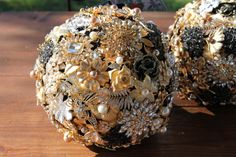 Hey, I found this really awesome Etsy listing at https://www.etsy.com/listing/274243336/gold-and-black-crystal-brooch-bouquet