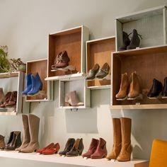 Explora artículos únicos de LieblingShoes en Etsy, un mercado global de productos hechos a mano, vintage y creativos.