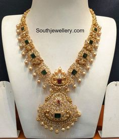 Indian Jewellery Designs - Page 21 of 1784 - Latest Indian Jewellery Designs 2020 ~ 22 Carat Gold Jewellery one gram gold Gold Wedding Jewelry, Gold Jewelry Simple, Gold Jewellery, Temple Jewellery, Bridal Jewelry, Jewelry Design Earrings, Gold Earrings Designs, Necklace Designs, Jewellery Designs