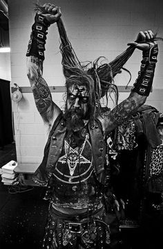 Rob Zombie- Best Live show I have ever seen hands down! Metal Music Quotes, Metal Music Bands, Heavy Metal Music, Heavy Metal Bands, Black Metal, Trip Hop, Dark Beauty, Power Metal, Bruce Dickinson