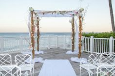 #chuppah #destinationwedding http://www.themodernjewishwedding.com/florida-destination-modern-jewish-wedding/