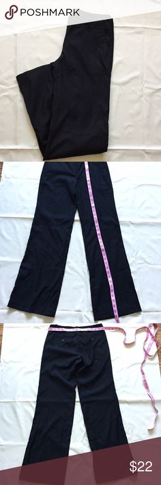 New York & Company black dress pants New York and Company Black Dress Pants, size 2, thin material perfect for summer work pants! I will not hold or trade, I do not model, smoke free home, bundle and save 🛍 Fast shipper! 📦📬 New York & Company Pants