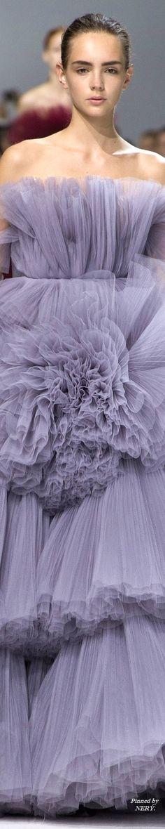 Giambattista Valli Fall 2016 Couture