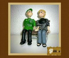 Topo de bolo infantilizado para bodas de 60 anos em biscuit/porcelana fria. www.facebook.com/gaiotto.atelier http://agaiotto.blogspot.com/ atelier.gaiotto@gmail.com F: (19) 3012-3588