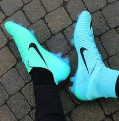 41 Ideas For Sport Clothes Nike Men Cheap Soccer Cleats, Womens Soccer Cleats, Nike Cleats, Football Cleats, Sport Football, Custom Soccer Cleats, College Football, Football Players, Adidas Soccer Boots
