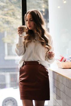 Coffee date in brooklyn + brown leather skirt & sweater. Winter Skirt Outfit, Skirt Outfits, Work Outfits, Club Outfits, Winter Dresses, Coffee Date Outfits, Brown Leather Skirt, Leather Skirts, Girl Clothing