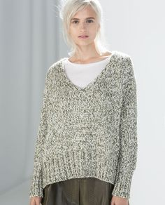 ZARA - SPECIAL PRICES - V-NECK TWIST KNIT SWEATER
