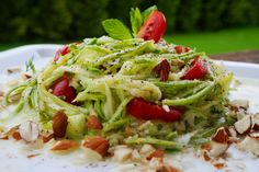 ΣΑΛΑΤΑ ΜΕ ΚΟΛΟΚΥΘΑΚΙΑ Snack Recipes, Healthy Recipes, Snacks, Healthy Meals, Cabbage, Salads, Yummy Food, Sweets, Dinner