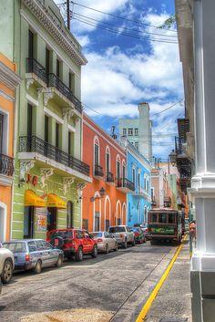 Streets of Old San Juan, Puerto Rico by Emilio Santacoloma, via Flickr