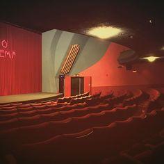 Your seat awaits you #riodalston #therio #riocinema #hackney #hackneycinema #londoncinema #stokeycinema #stokenewington #dalstonnights #artdeco #artdecocinema #cinematreasures #communitycinema #redvelvet #interiordesign #decostyle #30sstyle #retro #vintagedecor #vintage #realcinema #reelcinema