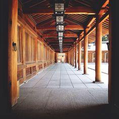 Kashihara Shrine. Kashihara, Nara, Japan 橿原神宮 内拝殿 回廊 / 奈良県 橿原市