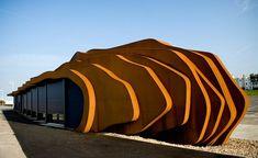 East Beach Cafe in West Sussex, UK. Architect: Thomas Heatherwick. va Yanko Design (Love it? Watch his TED Talk)