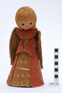 in-the-horniman: This pretty Christmas angel is from Sweden. She has been hiding in the store, but has now been reunited with her museum number! Shame she missed the festive season. Christmas Angels, Christmas Time, Christmas Crafts, Crochet Angels, Nativity Crafts, Christmas Crochet Patterns, Clothespin Dolls, Burlap Crafts, Hexagon Quilt