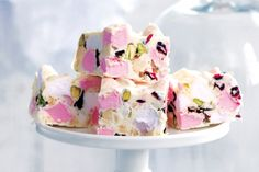 Make this super delicious white #chocolate rocky road jam-packed with pistachios, macadamias, cranberries and marshmallows!