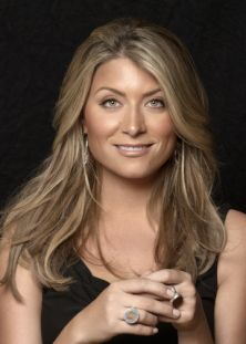 ❤Verdigris Vie: Genevieve Gorder: A Creative Force ~Pinned for her hair color: ] Genevieve Gorder, Good Looking Women, Pretty Hairstyles, Decoration, Pretty People, Her Hair, How To Look Better, Hair Cuts, Hair Color