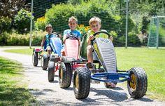 Go Kart Bahn, Fußballplatz, 100m² Indoor Spielzimmer, Streichelzoo und vieles mehr erwarten dich im Ferienhotel Trattnig am Millstättersee.