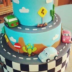 #Cars #cake #birthday (en La Pequeña Pastelería de Mamá)