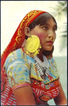 I so remember these women,  this costume, from my childhood. 1960s Panama Indian Woman