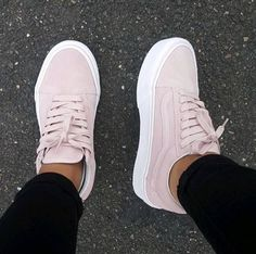 Top 100 Shoes Trends in 2020 - Page 24 of 75 - shoesmodel Zapatos Shoes, Vans Shoes, New Shoes, Shoes Sneakers, Shoes Heels, Pretty Shoes, Cute Shoes, Me Too Shoes, Cute Sneakers