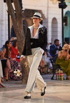 Cuban-Inspired Couture - Chanel's Cuban-Themed Runway Presentation Celebrates Havana Fashion (GALLERY)