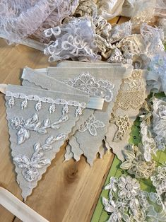 Cool Shabby Chic Home Decoration picks for you Vintage Lace Crafts, Shabby Chic Crafts, Vintage Bunting, Lace Weddings, Wedding Lace, Wedding Vintage, Wedding Gowns, Vintage Weddings, Rustic Wedding
