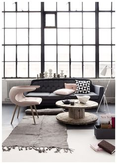 Interior Design Love this! art wall Living Room Design Ideas, Pictures, Remodeling and Decor Visitar home-designing Interior Exterior, Home Interior, Interior Decorating, Decorating Ideas, Decor Ideas, Room Ideas, Exterior Windows, Interior Office, Interior Livingroom