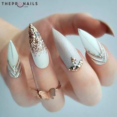 If you're looking for a bold look, stiletto nails are your best choice. The trend of stiletto nails is hard to ignore. Whether you like it or not, stiletto nails will stay. Stiletto nails are cool and sexy, but not everyone likes them. White Nail Designs, Acrylic Nail Designs, Acrylic Nails, Nail Art Designs, Nails Design, Coffin Nails, Glitter Nail Designs, Neutral Nail Art, White Nail Art