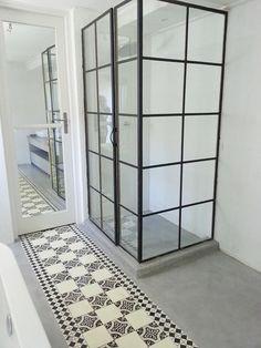 estrich als bodenbelag im Badezimmer kreativ gestalten und streichen