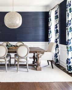 Best Garden Decorations Tips and Tricks You Need to Know - Modern Dining Room Paint Colors, Dining Room Blue, Dining Room Walls, Dining Room Design, Dining Room Wainscoting, Black And White Dining Room, Navy Blue Living Room, Wall Paper Dining Room, Grasscloth Dining Room