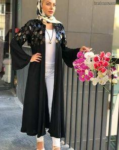مدل مانتو دخترانه جدید - Tesettür Mont Modelleri 2020 - Tesettür Modelleri ve Modası 2019 ve 2020 Dior Fashion, Abaya Fashion, Fashion Dresses, Luxury Fashion, Iranian Women Fashion, Islamic Fashion, Abaya Designs, Kurti Designs Party Wear, Estilo Abaya