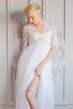 Hera Wedding Garter- super sleek under your dress! | The Wedding Garter Co